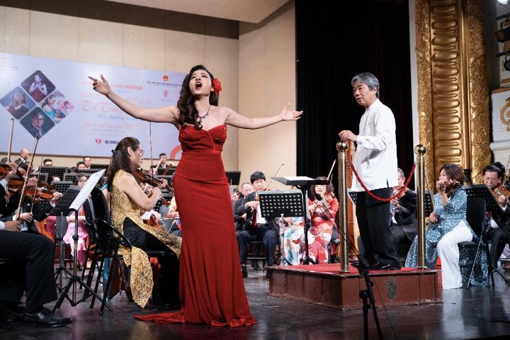 Hòa nhạc giao hưởng: Là con gái để tỏa sáng