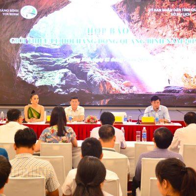 ông Hồ An Phong GĐ sở Du lịch phat bieu tại buổi họp báo