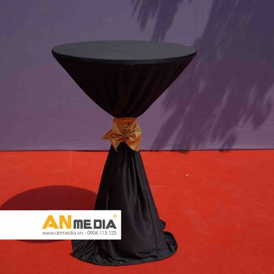 AN Media cho thuê bàn cocktail đen nơ vàng đồng - Tổ chức Lễ trao giải trường BVIS