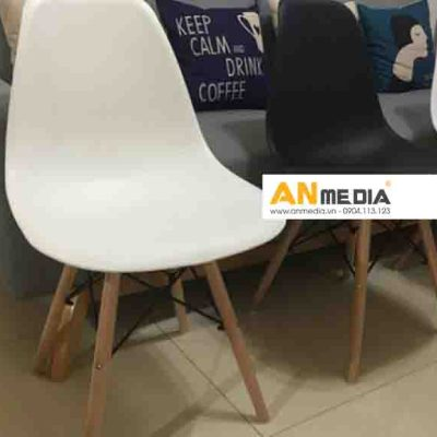 AN Media cho thuê ghế nhựa chân gỗ 4 màu sự kiện triển lãm sang trọng